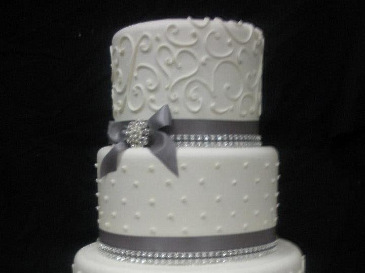 Tmx 1355268790482 404369101511186692670292022533850nCopy Ventura, California wedding cake