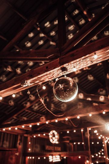 Disco barn