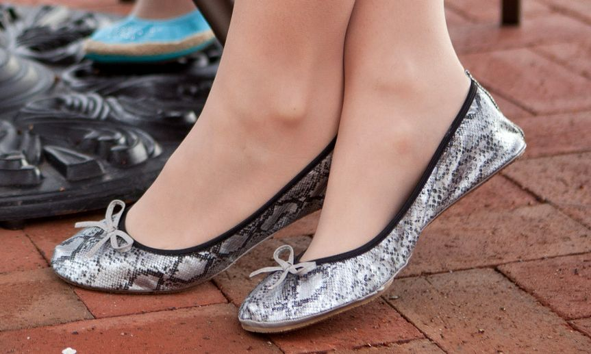 Snakeskin textured silver foldable flats