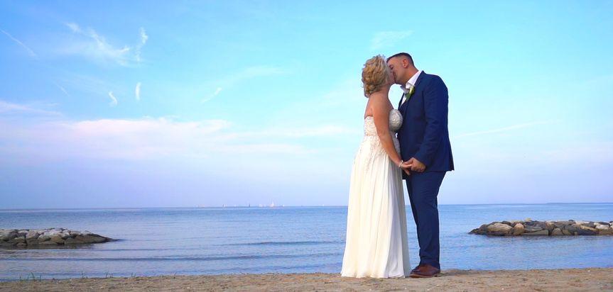 beach kiss 51 1031935