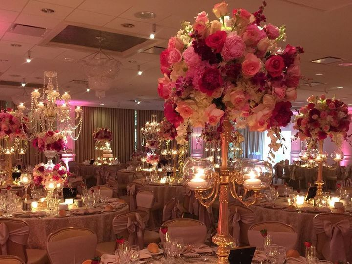 Tmx Pedestalsfloraldecorators 82819552 240388796951760 9189937269362381355 N 51 1702935 159672560170155 Manhasset, NY wedding venue