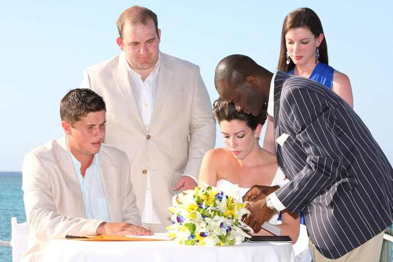 Bahamas wedding Ceremony with wedding officiant Glenn Ferguson at Compass Point Nassau Bahamas