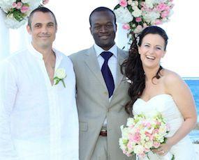 Bahamas wedding ceremony with wedding Officiant Glenn Ferguson on Love Beach Nassau Bahamas