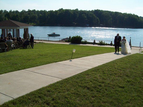 Lakeside ceremony at Mariners Landing - Smith Mountain Lake, Virginia