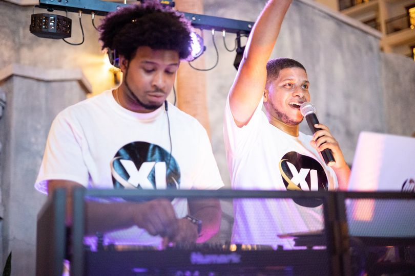 Passionate DJs
