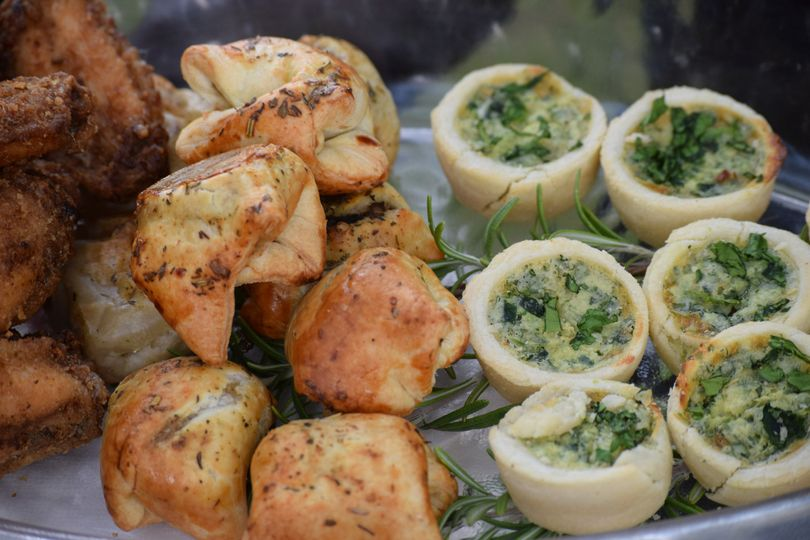Spinach in phyllo cups & mini beef wellingtons