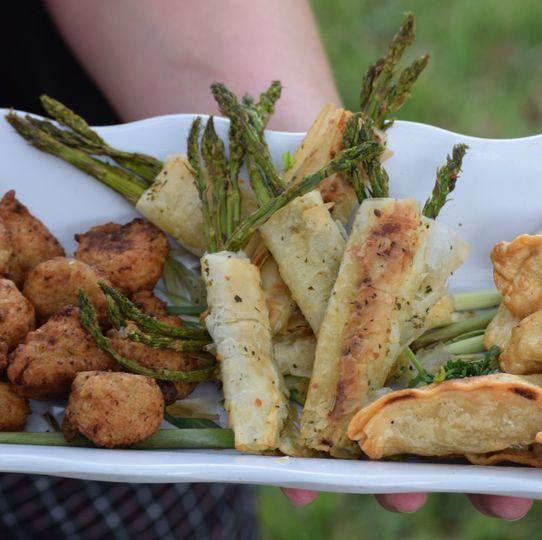 Pot stickers, phyllo wrapped vegetables & chicken cordon bleu bites