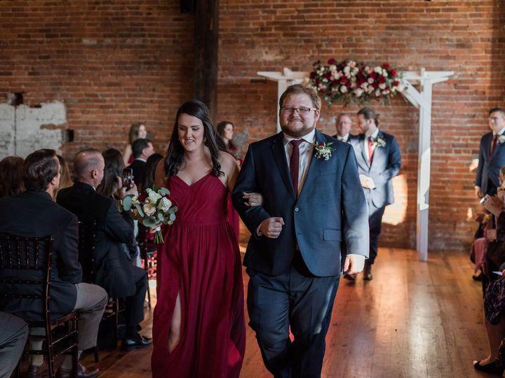 Tmx 1516053272 73b948ba4e42a5a5 1516053270 Fa21ec372f31b39d 1516053262440 8 26850884 102153876 Rolesville, North Carolina wedding florist