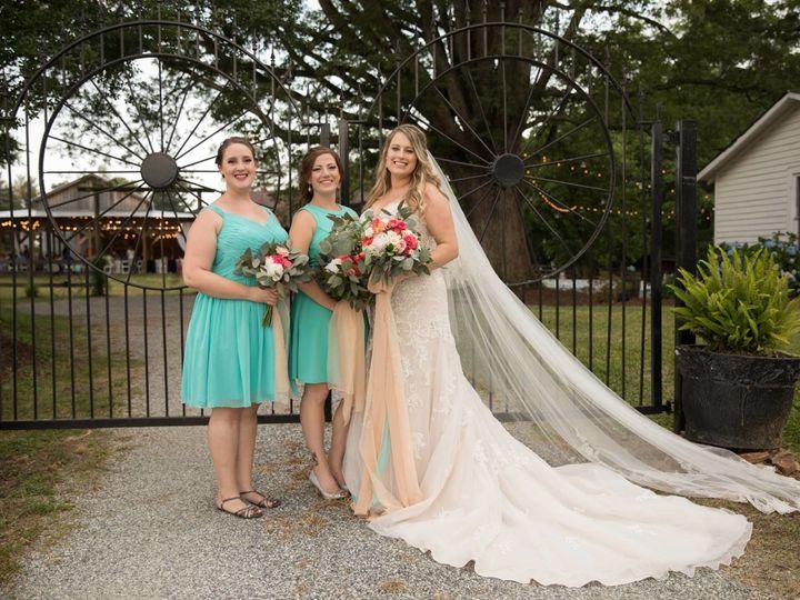 Tmx 1531853992 F8aed41734ccf5cc 1531853990 54c2c77bfcb1d3a3 1531853984703 10 35050946 78264734 Rolesville, North Carolina wedding florist