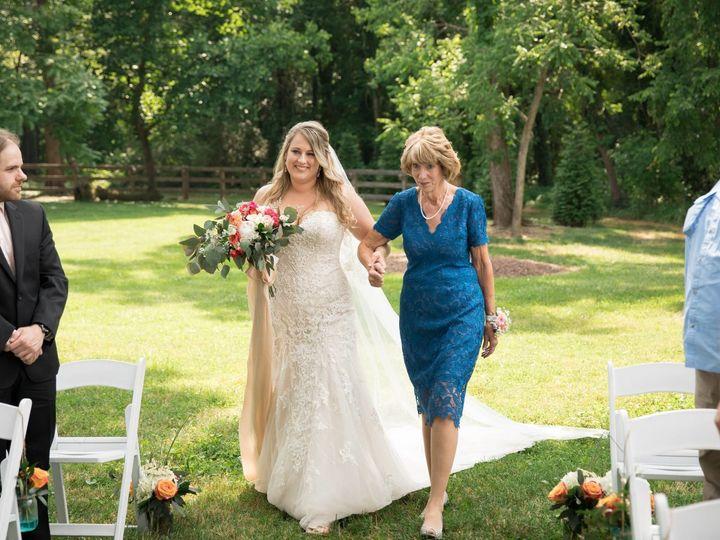 Tmx 1531854000 B3e890095fd4ff6d 1531853998 30ee3f7ed9dbb9f3 1531853984723 26 35237560 78264680 Rolesville, North Carolina wedding florist