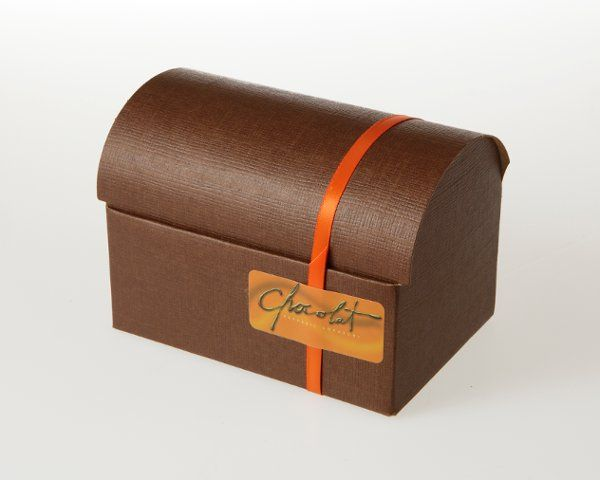Pure dark chocolate ganache infused with orange zest and Grand Marnier liquor, rolled in cocoa...