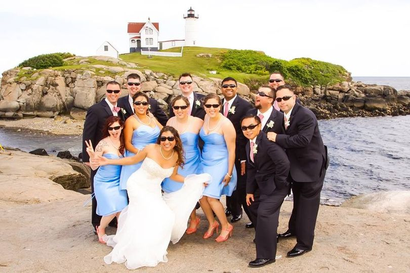 800x800 1426602674010 amsi morales bridal party