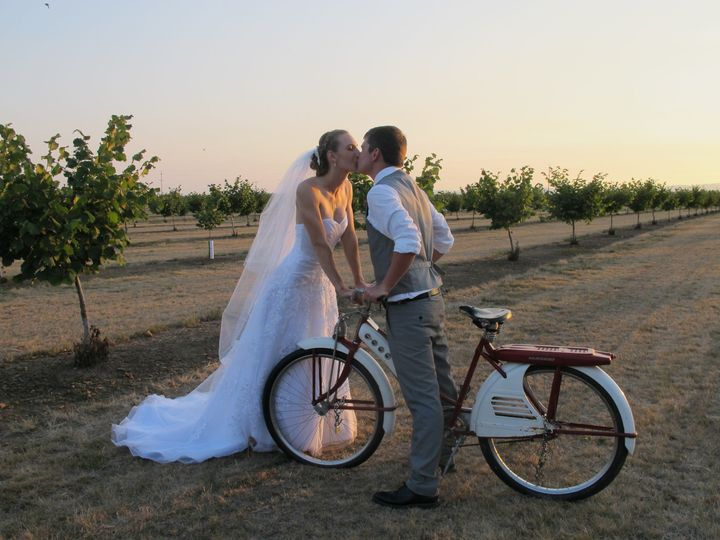 Orchard at Stewart Family Farm Outdoor Weddings