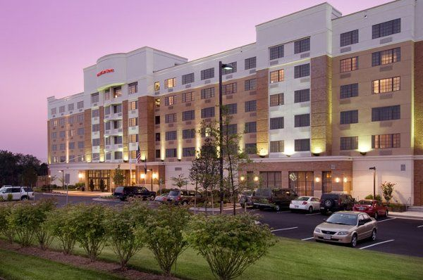 doubletree by hilton sterling dulles airport venue sterling va weddingwire. Black Bedroom Furniture Sets. Home Design Ideas