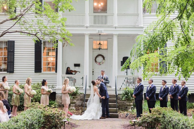 Wedding at a mansion