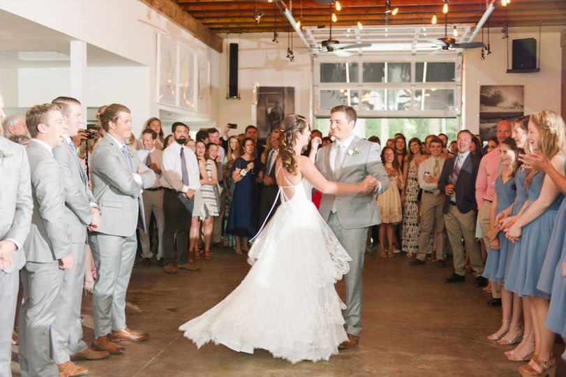 nick kate married first dance mimos barn