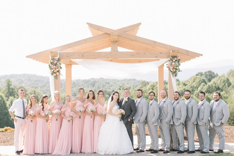 Newlyweds and their guests | Nicole Colwell Photography