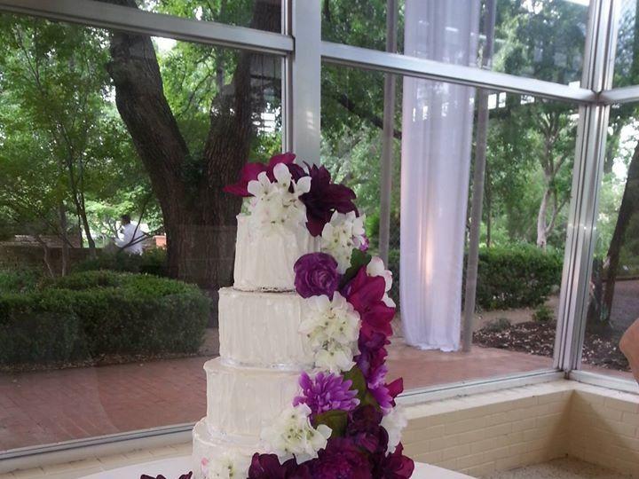 Tmx 10296240 693923660673436 4044180859282842173 O 51 1900145 157782435852871 Dallas, TX wedding cake