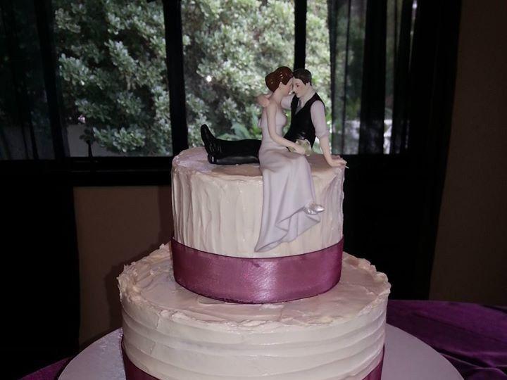 Tmx 10348696 693923587340110 9045066028420653653 O 51 1900145 157782435819140 Dallas, TX wedding cake