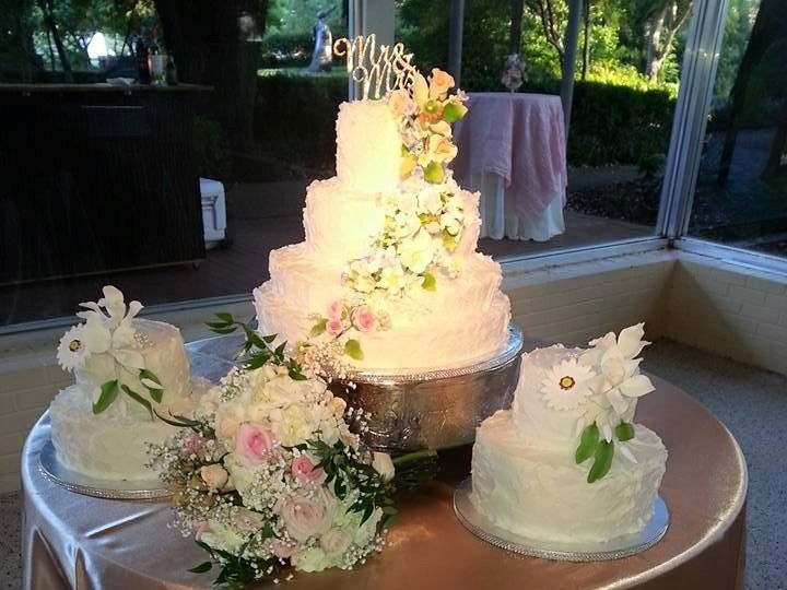 Tmx 11751945 915712641827869 3498978125446634758 N 51 1900145 157782435933083 Dallas, TX wedding cake