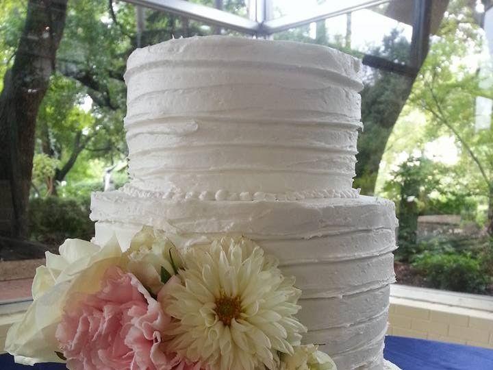 Tmx 12036654 958088324256967 3366956248206174362 N 51 1900145 157782435985866 Dallas, TX wedding cake