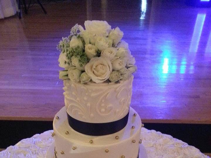 Tmx 12391263 983046435094489 6003593786569803115 N 51 1900145 157782436038654 Dallas, TX wedding cake