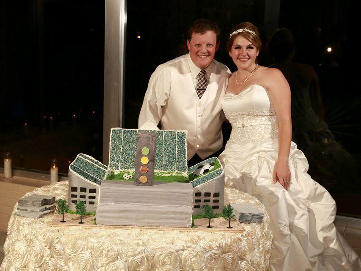 Tmx 1490888 623942557671547 246399033 O 51 1900145 157782435752150 Dallas, TX wedding cake