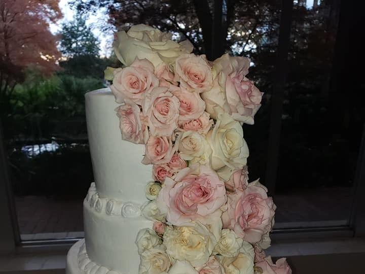 Tmx 46803692 2094525767279878 2339363760080158720 N 51 1900145 157782436032806 Dallas, TX wedding cake