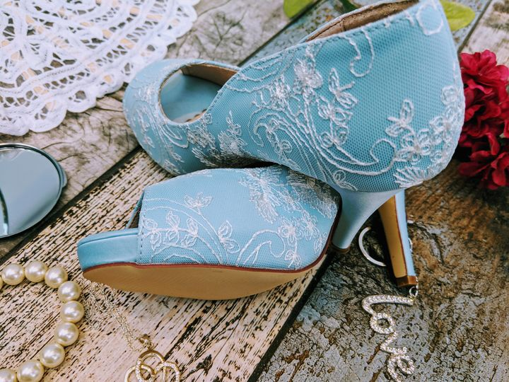 Celine - baby blue with lace