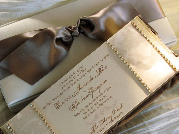 From intimate settings to grand galas, style and sophistication are paramount in our custom designs....