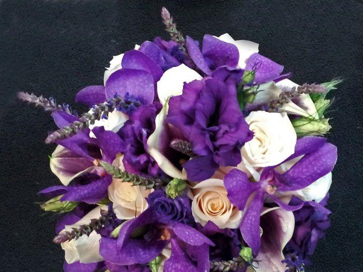 Tmx 1359756966879 PURPLELISIANTHUSMOKARASALIVIAWITHVENDELLABOUQUET1 Yakima, WA wedding florist