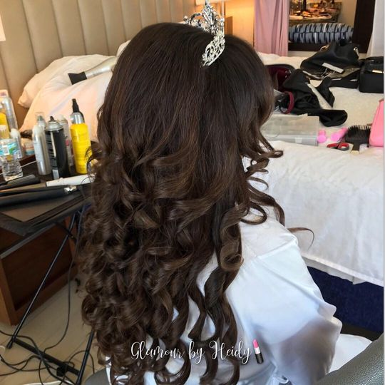 Glamourous curls