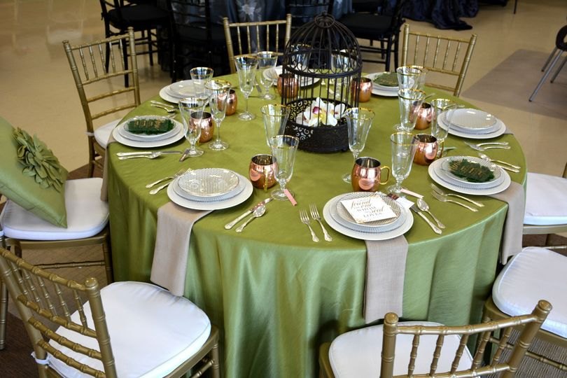 Moss green reversible linen with gold chiavari chairs