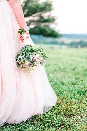 Small bouquet Alina Thomas, Senior Photographer considers herself a wedding photographer with a...