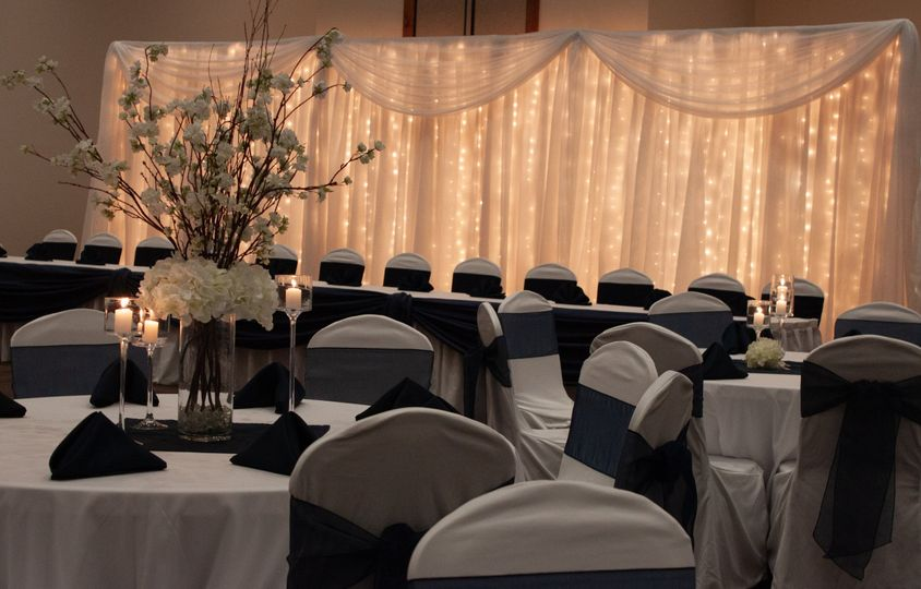 Head Table Accent Detail
