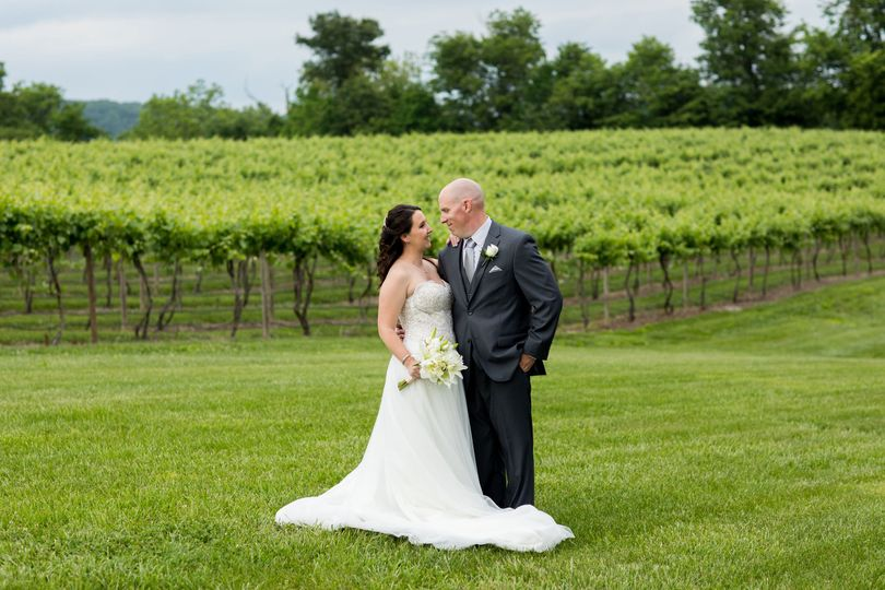 86051e50e1a2011a 1516033033 a67c83c924adcade 1516033013089 7 Matt Abby Wedding