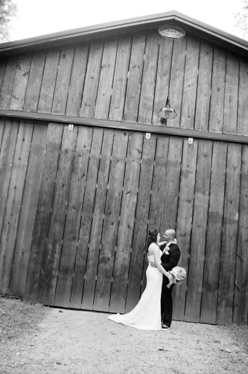 Jennifer & Brian  at Running Here VineyardPhoto by Carol Ward Photography