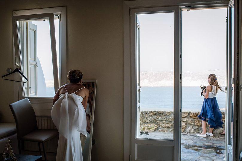 Bride preparation in Mykonos