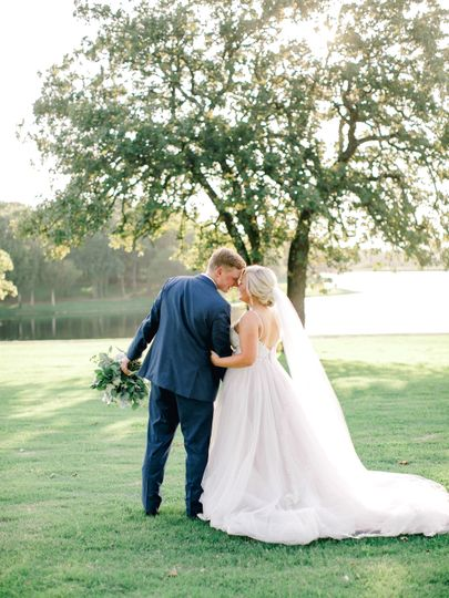 Romantic bride & groom photos