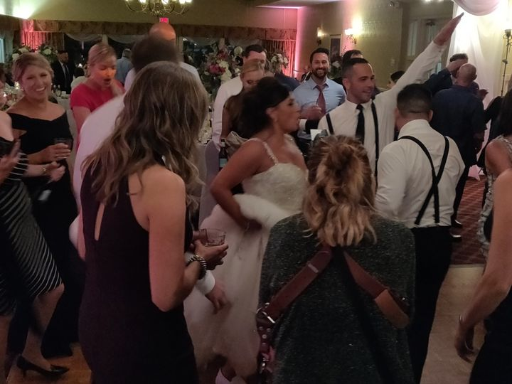 Tmx Valleyview Dance2 Bride 51 1024245 158078895636510 Cicero, NY wedding dj