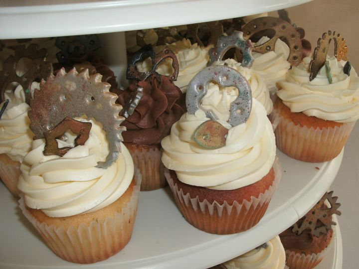 Cupcakes with gears