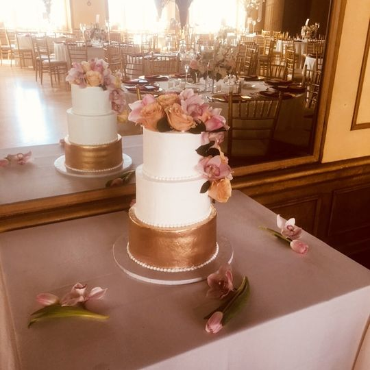3-tier wedding cake with gold base layer