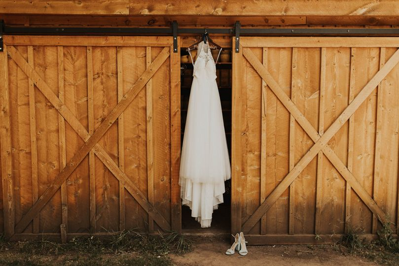 Anna & Lance's Farm Wedding