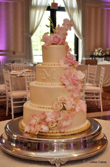 Cascading pink roses