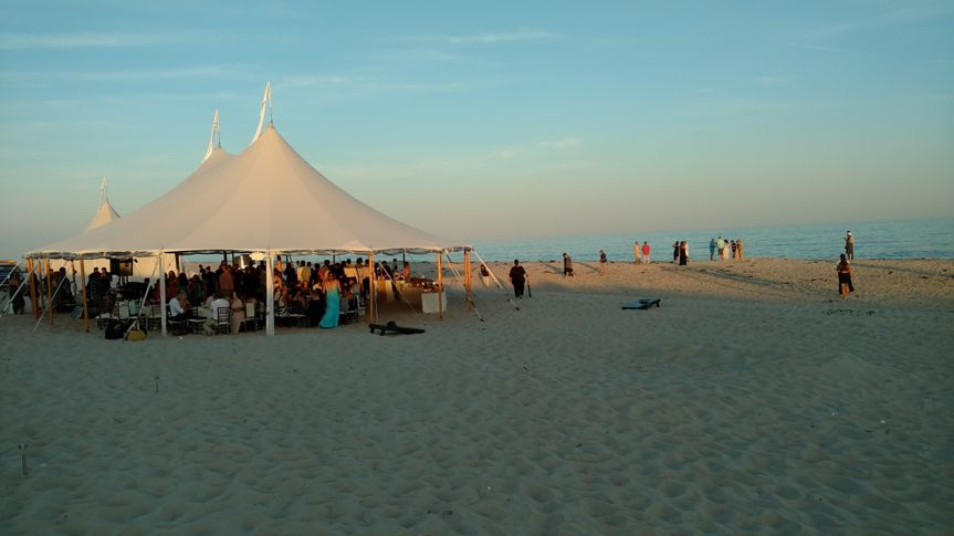 book beach tent