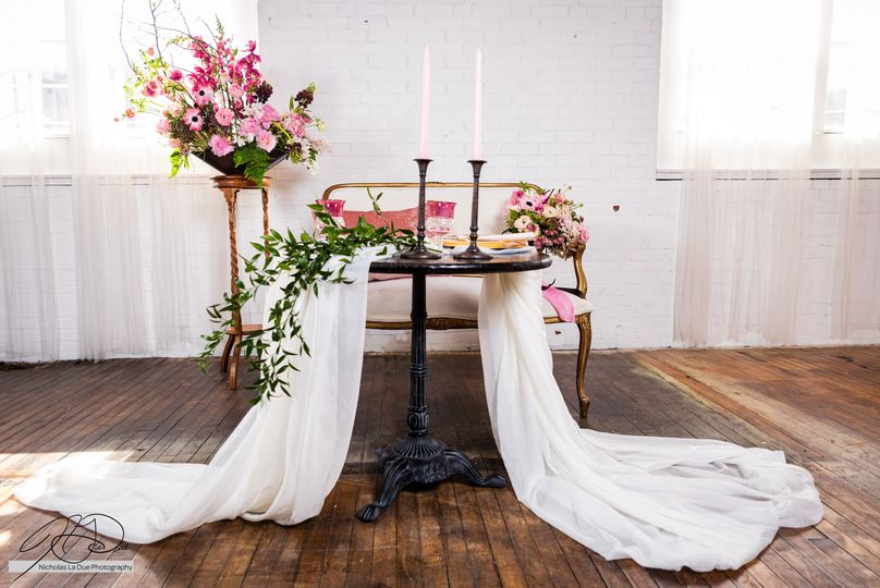 Sweetheart table....