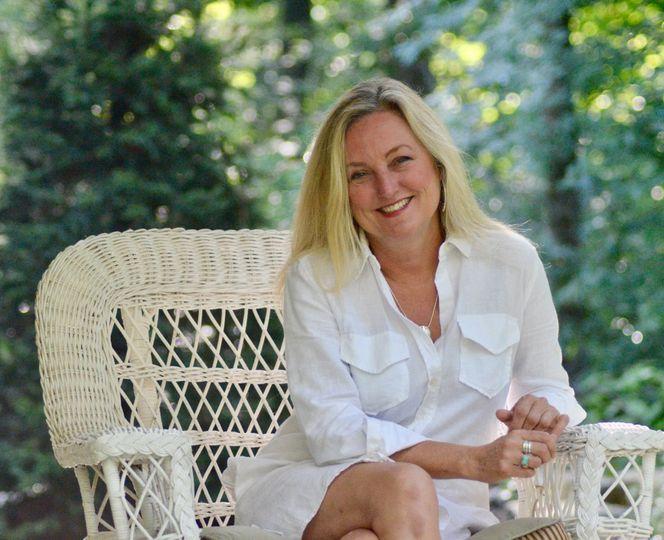 Shellie Reid Warner, Owner