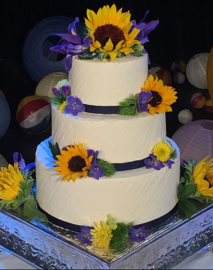 c433026e81cc7070 Reikos Wedding Cake