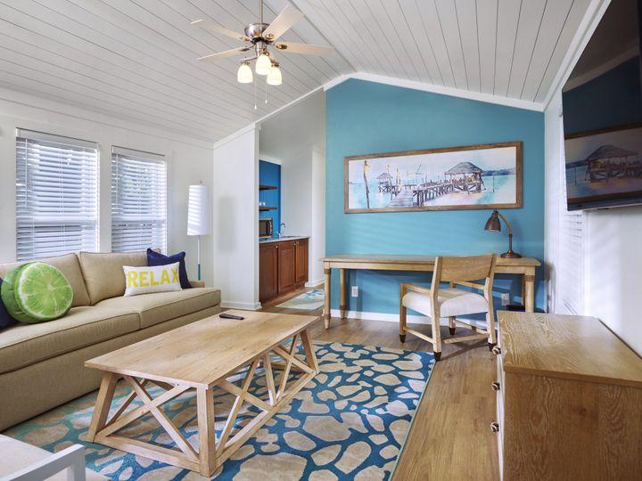 Tmx 01 Lake Cottage Living Room 51 374345 160582182398957 Montgomery, TX wedding venue