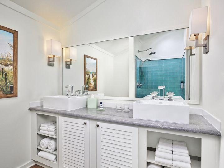 Tmx 03 Lake Cottage Bathroom 51 374345 160582181999744 Montgomery, TX wedding venue